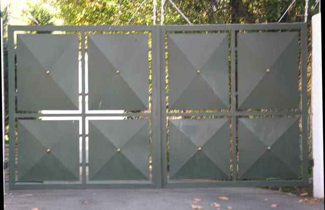 Ворота распашные металлические с калиткой фото своими