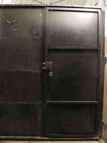 двери входные металлические тамбурные светла